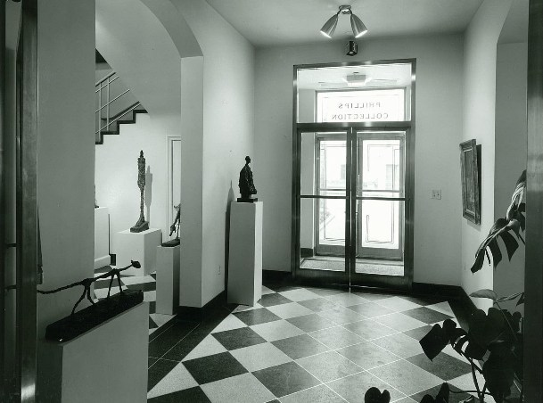 Entrance to the 1960 annex with Giacometti exhibition, 1963. Photo from Phillips Collection Archives.