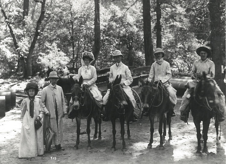 Phillips family on horseback