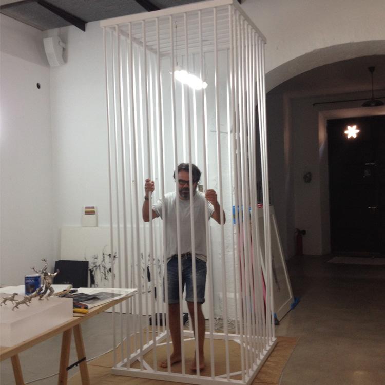 Bernardi Roig in cage