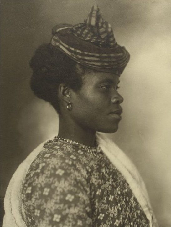Augustus Sherman, Guadeloupean woman (from Ellis Island Series), 1911, Photography Collection, The New York Public Library